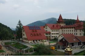 Сонячні колектори для готелю «Карпатські Зорі»